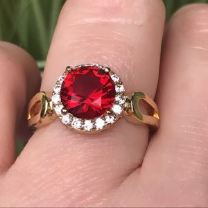 18k yellow gold Ruby Red ring size 8